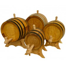 Ručne vyrobené drevené sudy s motívmi